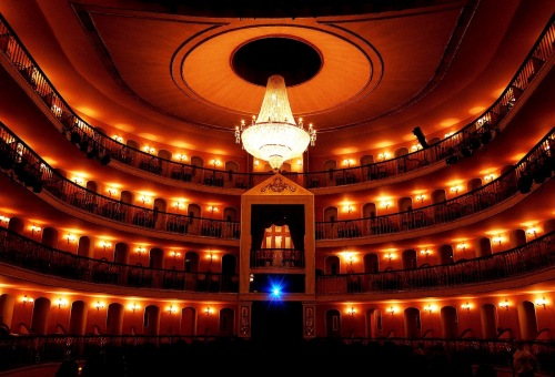 3156O_Teatro_Arthur_Azev